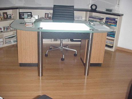 El escritorio sirve también como negatoscopio