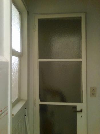 Puerta a baño de servicio,que sera incorporado al baño principal.