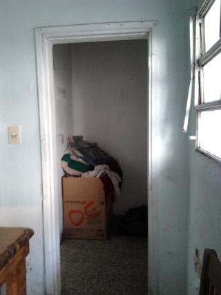 Ingreso a las habitaciones de planta baja desde la Cocina existente.