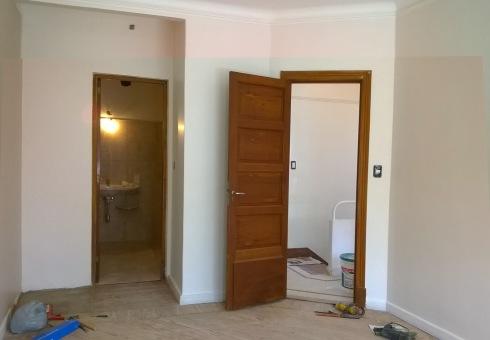 pegadaescalerayhabitacionen suite