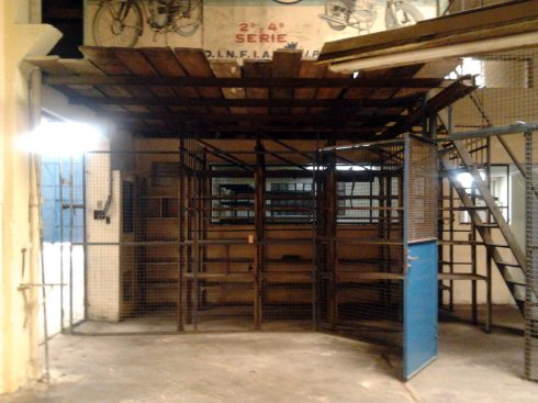 Viejas estructuras...estantes