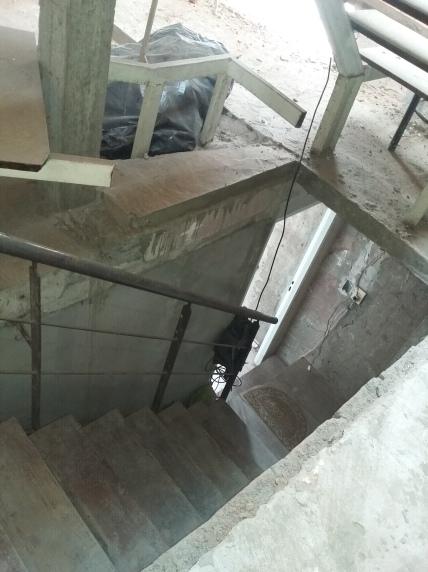 Acceso a la unidad por escalera